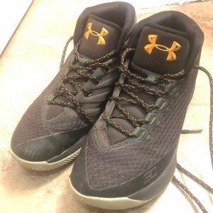 Men's Under Armour sneakers